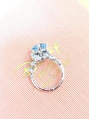 【ケイウノ ブライダル(K.UNO BRIDAL)の口コミ】 4.5社で検討していたところでした。ケイウノさんの指輪は個性的なデザイ…