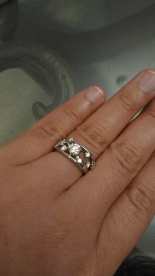 【アイプリモ(I-PRIMO)の口コミ】 フルオーダーでお安くイメージ通りの婚約指輪を作成して頂けるお店を探して…
