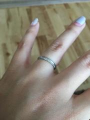 【アイプリモ(I-PRIMO)の口コミ】 主人と見た時に2人で一致したのかこの指輪だった。また、片側にはダイヤが…