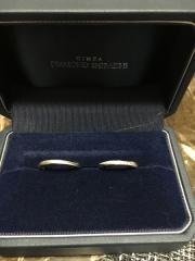 【銀座ダイヤモンドシライシの口コミ】 2人が満足できるデザインを探してました。 2人ともとても気にいるものが…