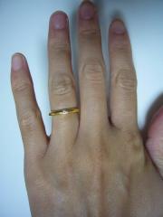 【ギンザタナカブライダル(GINZA TANAKA BRIDAL)の口コミ】 イエローゴールドにダイヤモンドが付いているシンプルな結婚指輪を探してい…