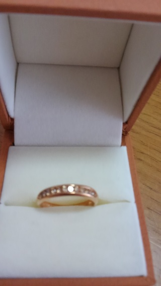 【BROWNDIAMOND(ブラウンダイヤモンド)の口コミ】 ゴ―ルドの指輪を探していた時に、ピンクゴ―ルドのダイヤな入ったこの指輪…