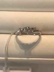 【I's stone(アイズストーン)の口コミ】 ウエーブのデザインが可愛く、またピンクダイヤモンドという貴重な石や、…