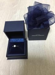 【銀座ダイヤモンドシライシの口コミ】 プロポーズリングはサプライズのプロポーズに適しており、プロポーズの記…