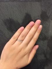 【JEWELRY  KAMATA(ジュエリーかまた)の口コミ】 ダイヤが5個並んで、キラキラしていて素敵です。 ハーフエタニティーほど…