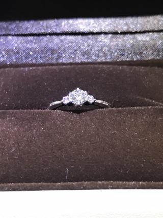 【アイプリモ(I-PRIMO)の口コミ】 妻と一緒に買いに行きました。 シンプルなデザインの指輪がほしいというこ…