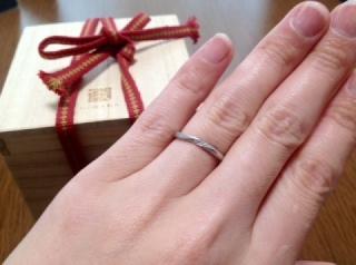 【俄(にわか)の口コミ】 以前主人からプレゼントされていた婚約指輪がこちらのブランドで、セットリ…