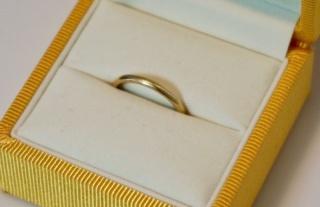 【ケイウノ ブライダル(K.UNO BRIDAL)の口コミ】 夫婦ともに、シンプルなデザインを望んでいました。常につけておきたいの…