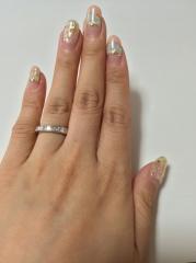 【ハリー・ウィンストン(Harry Winston)の口コミ】 婚約指輪は結婚指輪と重ね着けでき、普段使いし易いデザインのものがをと…