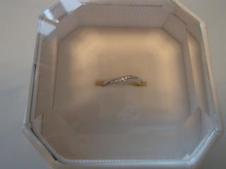 【4℃(ヨンドシー)の口コミ】 婚約指輪が4℃だったので、重ね付けするなら同じブランドにしたかったのが…