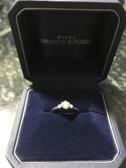 【銀座ダイヤモンドシライシの口コミ】 婚約指輪のダイヤモンドの輝きがすごく綺麗だったこと、その割には値段が手…