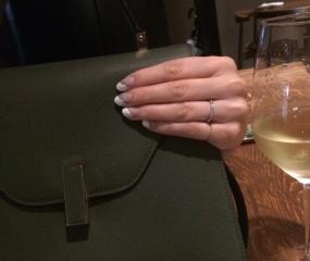 【俄(にわか)の口コミ】 婚約指輪の必要性をあまり感じられなかった為、最初から結婚指輪だけを探し…