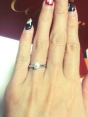 【カルティエ(Cartier)の口コミ】 シンプルで王道のデザインが婚約指輪らしくて気に入りました。  色々と種…