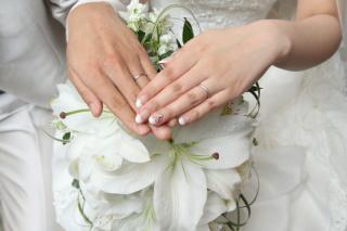 【Ponte Vecchio(ポンテヴェキオ)の口コミ】 婚約指輪もこちらのものを頂いたので、結婚指輪も同じブランドのもので重ね…