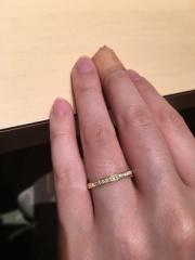 【アイプリモ(I-PRIMO)の口コミ】 エタニティタイプの指輪を探していて、いくつか見せてもらいました。 同じ…