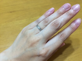【アイプリモ(I-PRIMO)の口コミ】 一般的なつるっとした指輪が嫌で、ちょっと変わっているデザインで、ダイヤ…