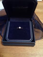 【銀座ダイヤモンドシライシの口コミ】 彼がプロポーズリングとして購入してくれました。 ダイヤモンドシライシの…