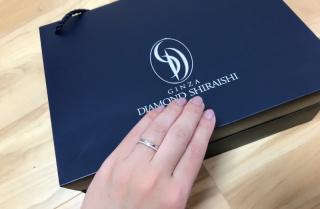 【銀座ダイヤモンドシライシの口コミ】 特にブランドにこだわりはなく、ネットでデザイン探しから始めました。な…