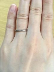 【ケイウノ ブライダル(K.UNO BRIDAL)の口コミ】 私は手が小さく、5号でもちょっと大きいくらいの細い指なので、あまりゴチ…
