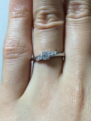 【ラザール ダイヤモンド(LAZARE DIAMOND)の口コミ】 色々なブランドを見てまわりましたが、接客が丁寧で、ダイヤについてはジ…