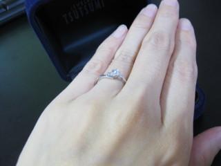 【ジュエリーツツミ(JEWELRY TSUTSUMI)の口コミ】 結婚指輪ではなく、婚約指輪ということで、日々つけるものではないので実用…