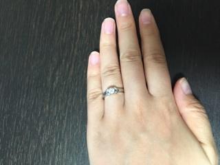 【カルティエ(Cartier)の口コミ】 昔から婚約指輪をもらうならこれと決めていた、憧れのデザインでした。  …