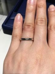 【銀座ダイヤモンドシライシの口コミ】 指輪は普段もはずさず、ずっと身に着けていたかったので、シンプルなものを…