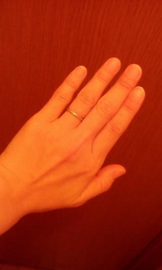 【スタージュエリー(STAR JEWELRY)の口コミ】 結婚指輪は常に身につけるものなのでダイヤなどがついていないシシンプル…