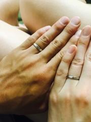 【JEWELRY  KAMATA(ジュエリーかまた)の口コミ】 自分たちはあまり派手な指輪は好みではなかったので、シンプルでスタイリッ…