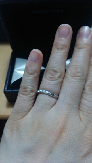 【エクセルコダイヤモンド(EXELCO DIAMOND)の口コミ】 デザインは私も気に入ったものでしたが何よりも彼がこの店舗の指輪を気に入…