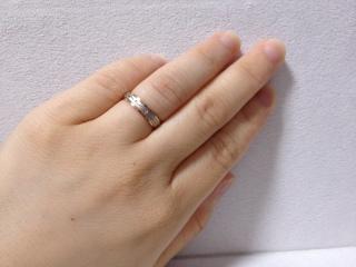 【CITIZEN Bridal(シチズンブライダル) / ディズニーシリーズの口コミ】 シンプルでありながら他人と被らない個性的な指輪を探していました。  ゴ…