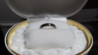 【カオキ ダイヤモンド専門卸直営店 の口コミ】 指輪の決めてはデザインでした。デザインはとておしゃれで指にはめるとと…