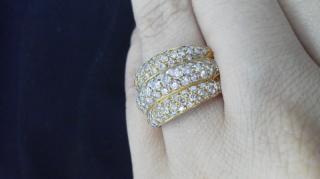 【ユタカジュエリーの口コミ】 通常、カルティエなどでもパヴェダイヤのリングは、1連や2連のものが多…