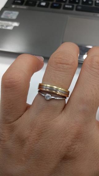 【カルティエ(Cartier)の口コミ】 最初は一般的に購入されているシルバーの結婚指輪を購入する予定でしたが…