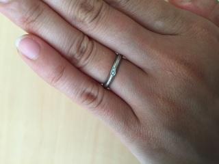 【VERITE(ベリテ)の口コミ】 店員のお兄さんから、花嫁は青い色の物を身につけると幸せになれるという…