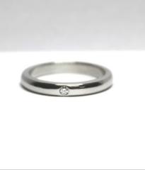 【ティファニー(Tiffany & Co.)の口コミ】 シンプルなデザインの中に一個ダイヤが入っていて、上品さもあります。また…