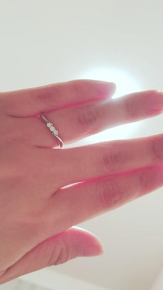 【エクセルコダイヤモンド(EXELCO DIAMOND)の口コミ】 小柄なため華奢なデザインを探していましたが、華奢過ぎると年齢を重ねた…
