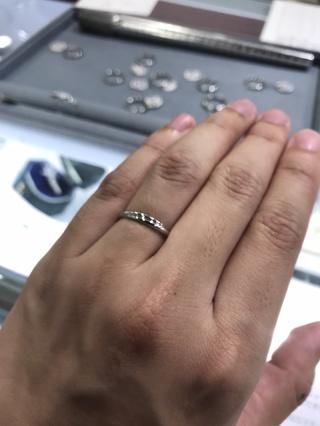 【宝寿堂(ほうじゅどう)の口コミ】 婚約指輪もこちらのお店でお世話になっていたのでご担当の方と一緒に選ん…