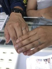 【宝寿堂(ほうじゅどう)の口コミ】 結婚指輪は常につけることをお互い意識してたので石なしのシンプルなものを…