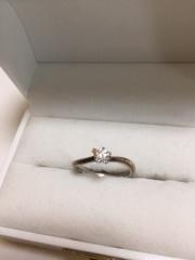 【杢目金屋(もくめがねや)の口コミ】 結婚指輪をシンプルなものにする代わりに、婚約指輪はデザインが凝った物に…