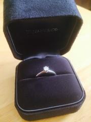 【ティファニー(Tiffany & Co.)の口コミ】 サプライズプロポーズでプレゼントされた指輪なので私が選んだわけではあり…
