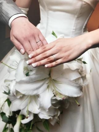 【銀座ダイヤモンドシライシの口コミ】 結婚指輪はどうしてもハーフエタニティがよかったのでペアリングではなく、…