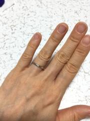 【canal4℃(カナルヨンドシー)の口コミ】 いただいた婚約指輪がストレートラインの物だったので、重ね付けする事も…