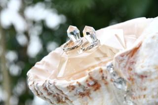 【ガラOKACHIMACHIの口コミ】 嫁の私が、少し人よりかわったデザインの結婚指輪が欲しくて探し回り、よう…