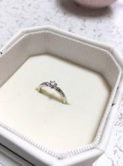 【4℃(ヨンドシー)の口コミ】 もともとこちらのブランドが好きだったので、自分の中で婚約指輪をプレゼ…