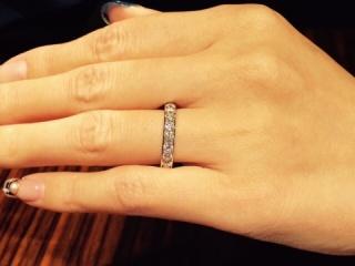 【MIKIMOTO(ミキモト)の口コミ】 妻への婚約指輪です。  いくつかのブランドを回りましたが、日本で安心し…