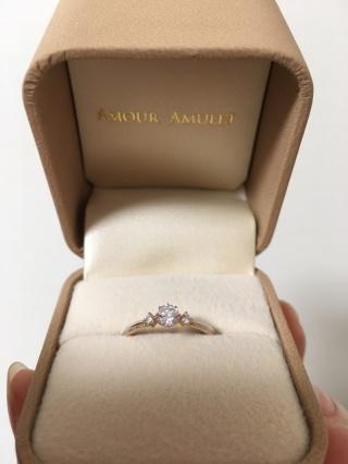 【AMOUR AMULET(アムール・アミュレット)の口コミ】 数えきれないくらい指輪を試着して、迷いに迷って決めました。決め手はやは…