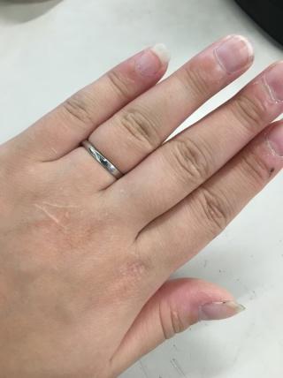 【俄(にわか)の口コミ】 結婚指輪のパンフレットを沢山自宅に取り寄せて、 俄のパンフレットをみた…