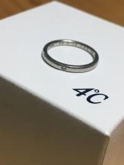 【4℃(ヨンドシー)の口コミ】 他のブランドの指輪もたくさん見ましたが、ひねりのある形や、幅が太いもの…
