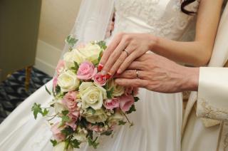 【ティファニー(Tiffany & Co.)の口コミ】 私たちが結婚指輪を購入にお店に行った時、この指輪が夏の最新作というこ…